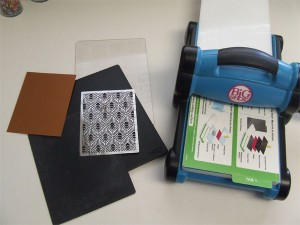 Tutorial Embossing Dreamweaver Stencils With Your Big